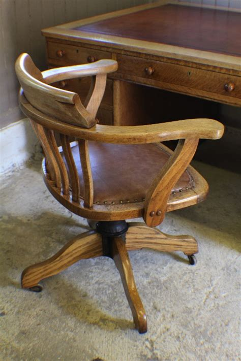 Captains Desk And Chair Nice Captains Office Chair Desk Chair Captains Desk And