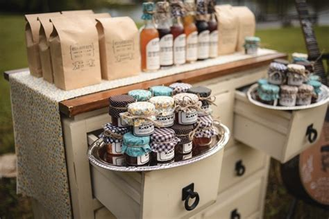 ideas for wedding favor displays