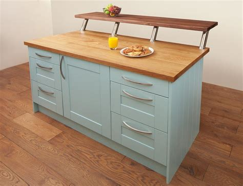 shopping for kitchen furniture shopping for the right solid oak kitchen cabinets solid