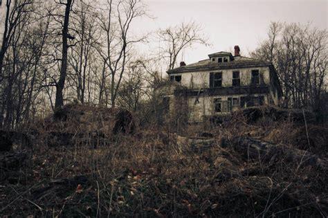 abandoned house share