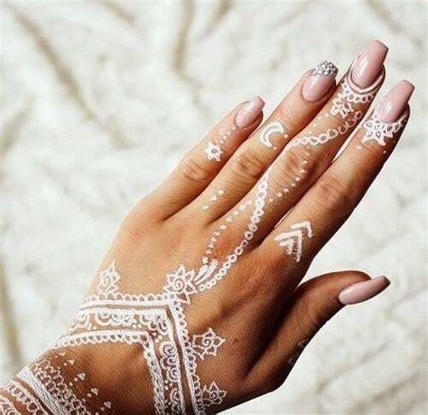 henna tattoo zetten white henna trend abudhabi styleguide