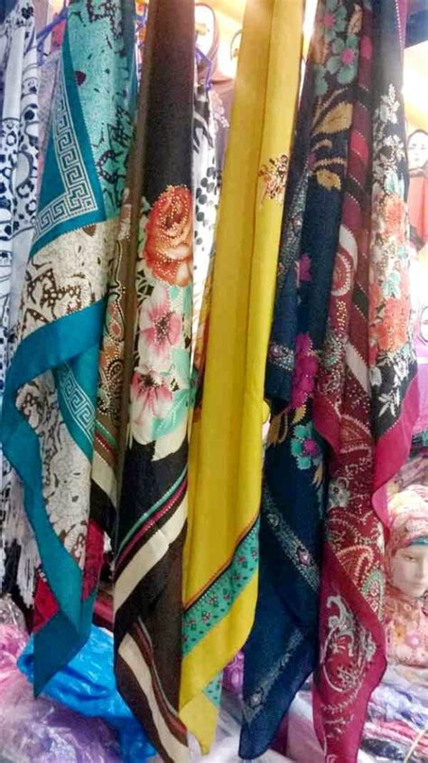 Jilbab Pashmina Satin Polos Kerudung Pashmina Satin Polos grosir bahan satin kain silk satin produsen baju muslim