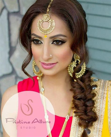 indian hairstyles with tikka best 25 tikka hairstyle ideas on pinterest indian