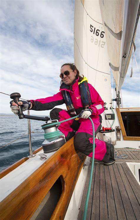 boat winch west marine choosing sailboat winches harken lewmar andersen antal