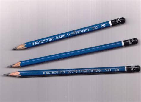 Pensil Hb goresan pensil