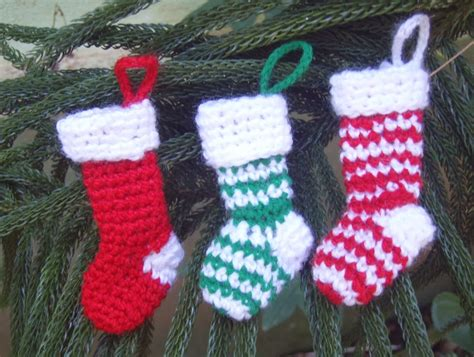 stockings christmas tree ornaments free crochet patterns