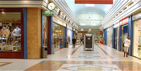 centro commerciale pavia a bari continua la battaglia contro i grandi centri
