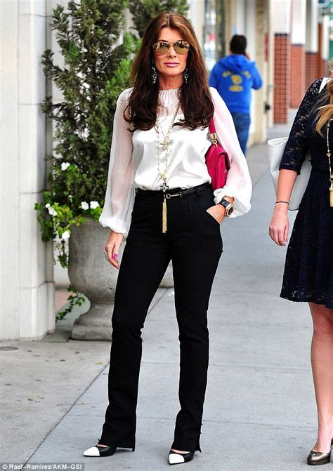 how to get lisa vanderpump hairstyle girls day out lisa vanderpump and daughter pandora enjoy