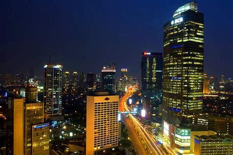 film indonesia vs malaysia 10 kota di indonesia indah dipandang malam hari citra