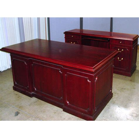 Dallas Office Furniture Cherry Traditional Executive Used Executive Office Desks
