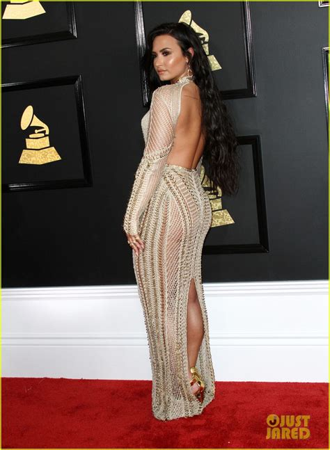 demi lovato grammy awards 2018 demi lovato is a golden goddess at grammys 2017 photo