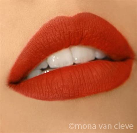 Does Lipstick makeup tip of the week do s lipstick