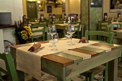 tavoli ristorante tavoli per ristorante mobili in pallet