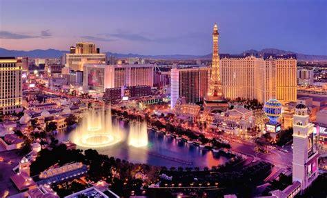 the las vegas strip in pictures luxury hotels wynn las 202 how to buy las vegas strip condos for sale 702 882 8240