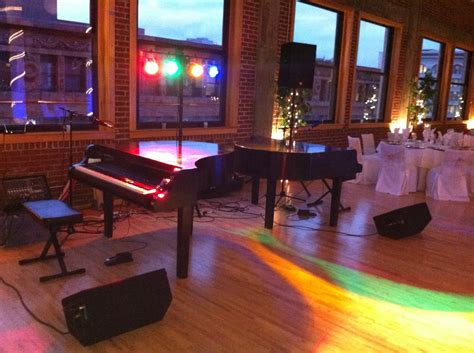 Dueling Pianos Wedding Reception Entertainment by Dueling Pianos Wedding Reception St Louis Mini Bridal