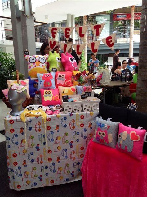 Handmade Items That Sell At Flea Markets - craft booth by felt ville charity bazaar craft bazaar