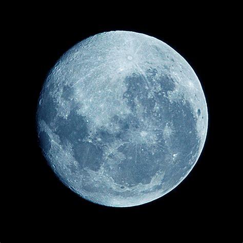 blue moon tonight s blue moon isn t really blue the daily
