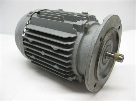 three phase induction motor hitachi hitachi vtfo k induction motor 0 4 kw 1700 rpm 4 pole 220v 3 phase