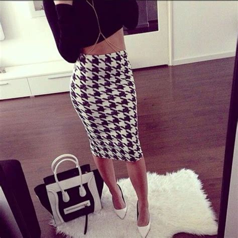 black and white pattern skirt outfit skirt blvck big pattern black and white pencil skirt