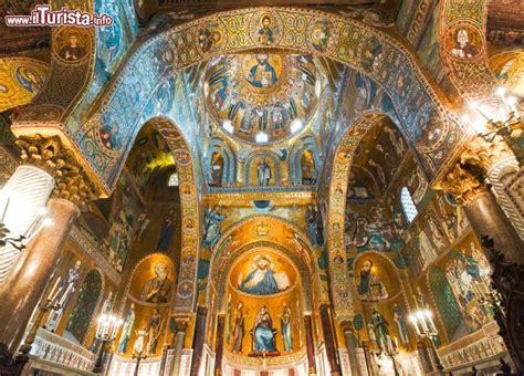 all interno all interno della chiesa della martorana foto palermo