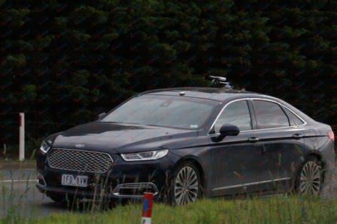 future ford taurus ford 2018 taurus spied chinese ford taurus under test