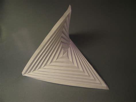 Hyperbolic Origami - 2013 origami tessellations