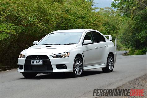 lancer mitsubishi white 2013 mitsubishi lancer evolution x review video