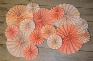 rosaces papier roses d 233 coration murale mariage