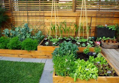 Carre Bois Pour Jardin by R 233 Aliser Soi M 234 Me Un Potager En Carr 233 Sur 233 Lev 233