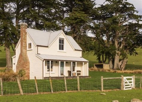 small farm house small farmhouse plans country cottage charm