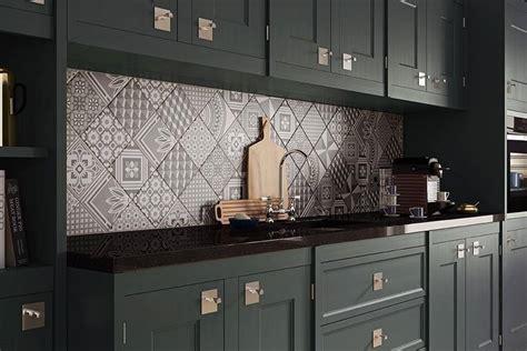 d駻ouleur mural cuisine 5 styles de cr 233 dence de cuisine tr 232 s inspirantes frenchy