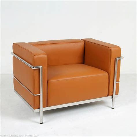 corbusier bench le corbusier grande lounge chair modernclassics com