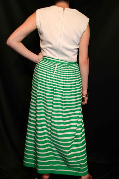 Foreign Label Stripe Knit Skirt In 2 Colors 1 m white rib knit top green stripe jersey r k knits vtg