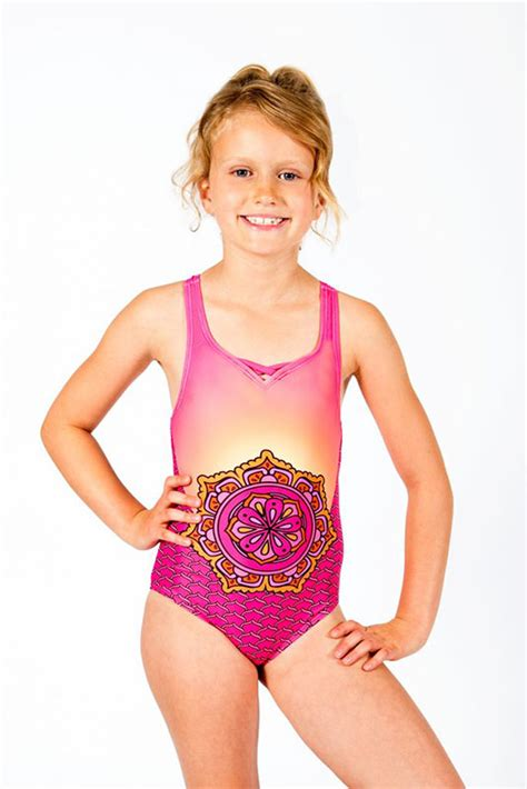 7 Swimsuits For 7 Types by 9692 Limeapple Kailani Print One Swimsuit 7 12