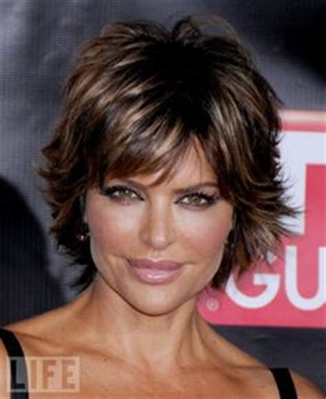 lisa rena hairstyles 2015 lisa rinna actress short shag hairstyle billie reed