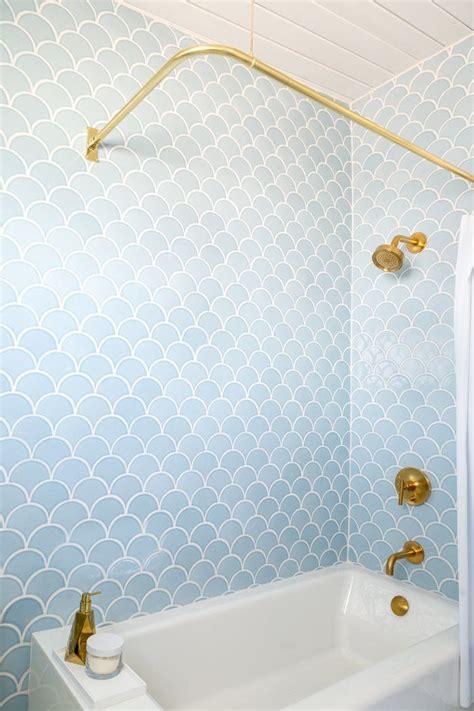 Big Fish Bathtub by Best 20 Bathtub Tile Ideas On