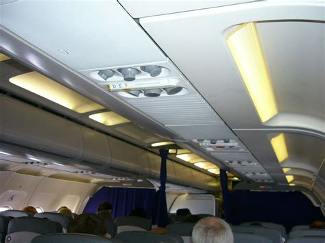 airbus a320 cabin file lufthansa airbus a320 200 econ cabin with pax jpg