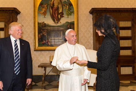 trump pope francis file donald trump pope francis melania trump in 2017 jpg
