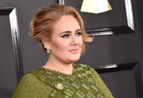 Makeup Adele adele s hair and makeup at the 2017 grammys popsugar