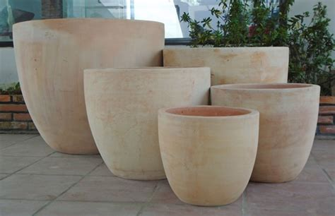 large terracotta planters specialists and suppliers of traditional large terracotta