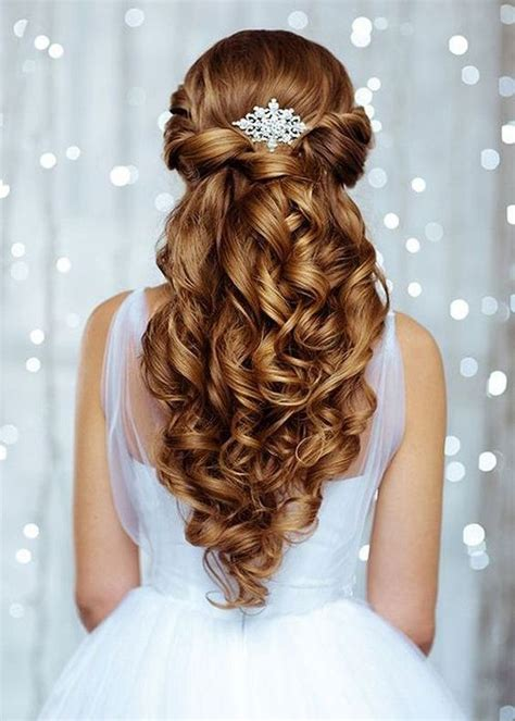 hairstyles for college graduation best 25 graduation hairstyles ideas on pinterest