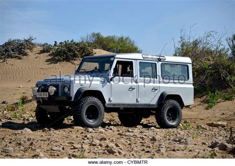 land rover 110 off road land rover defender 110 stock photos land rover defender