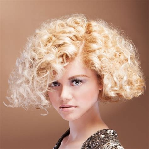 short curly perm styles picture dirty blonde very curly hairstyles short curly hairstyle woman and home