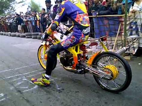 Kaosbajutshirt Balap Drag Bike 201 M drag 201 m gameonlineflash