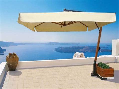 ombrelloni per terrazzi ombrelloni antivento