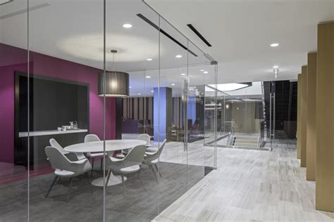 Westfield Corporate Office by Westfield 187 Retail Design