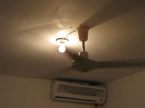 Ceiling Fan Light Strobing by Hotel Room Strobe Light Travel Tip