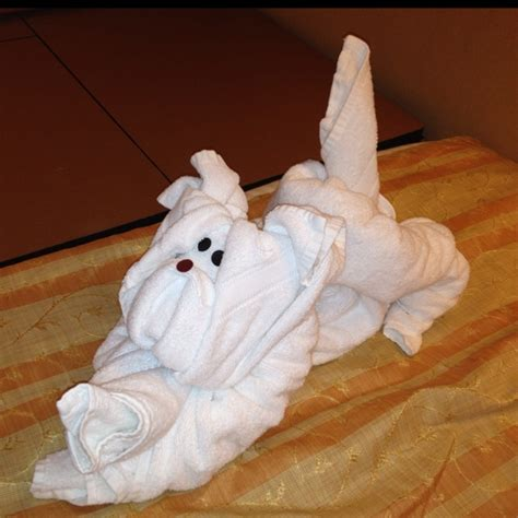 Towel Origami - towel animal makes me happy towel