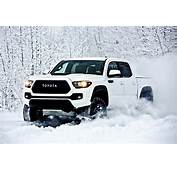 2017 Toyota Tacoma TRD Pro Is A Small But Extreme Off Road