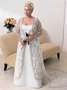 Informal wedding dresses plus size keep the brides has beautiful